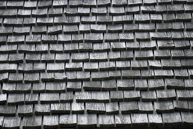 montaż instalacji odgromowej na dachu